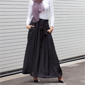 Verona Collection High-Waist Maxi Skirt Black M